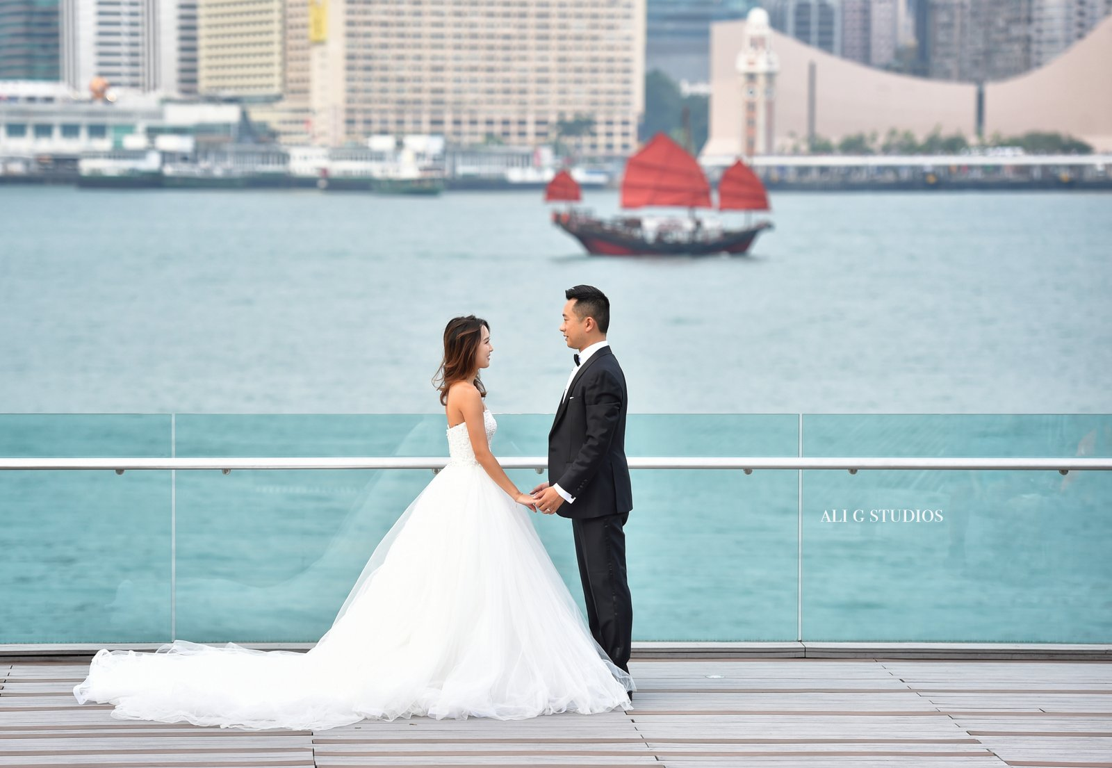 hong kong wedding prewedding photography victoria harbour