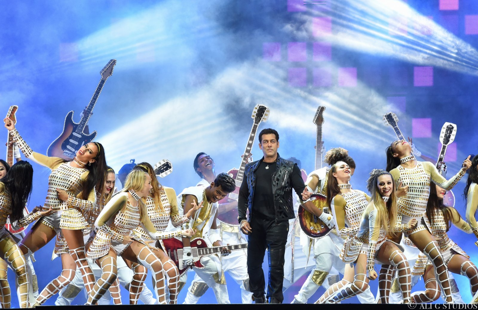 Hong Kong celebrity photographer, hong kong event photographer, bollywood superstars hong kong, dabangg tour, hong kong photographer, salman khan, akshay kumar, hong kong event, ali g studios, ali ghorbani photographer