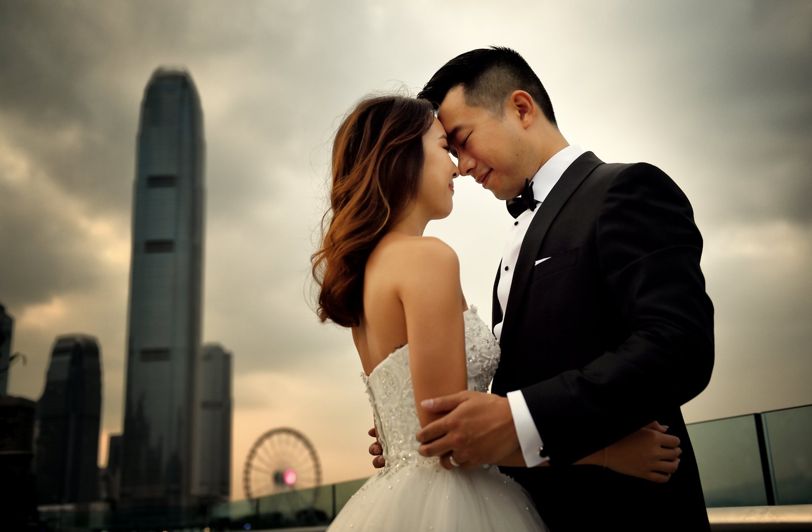 hong kong prewedding photography victoria harbour central