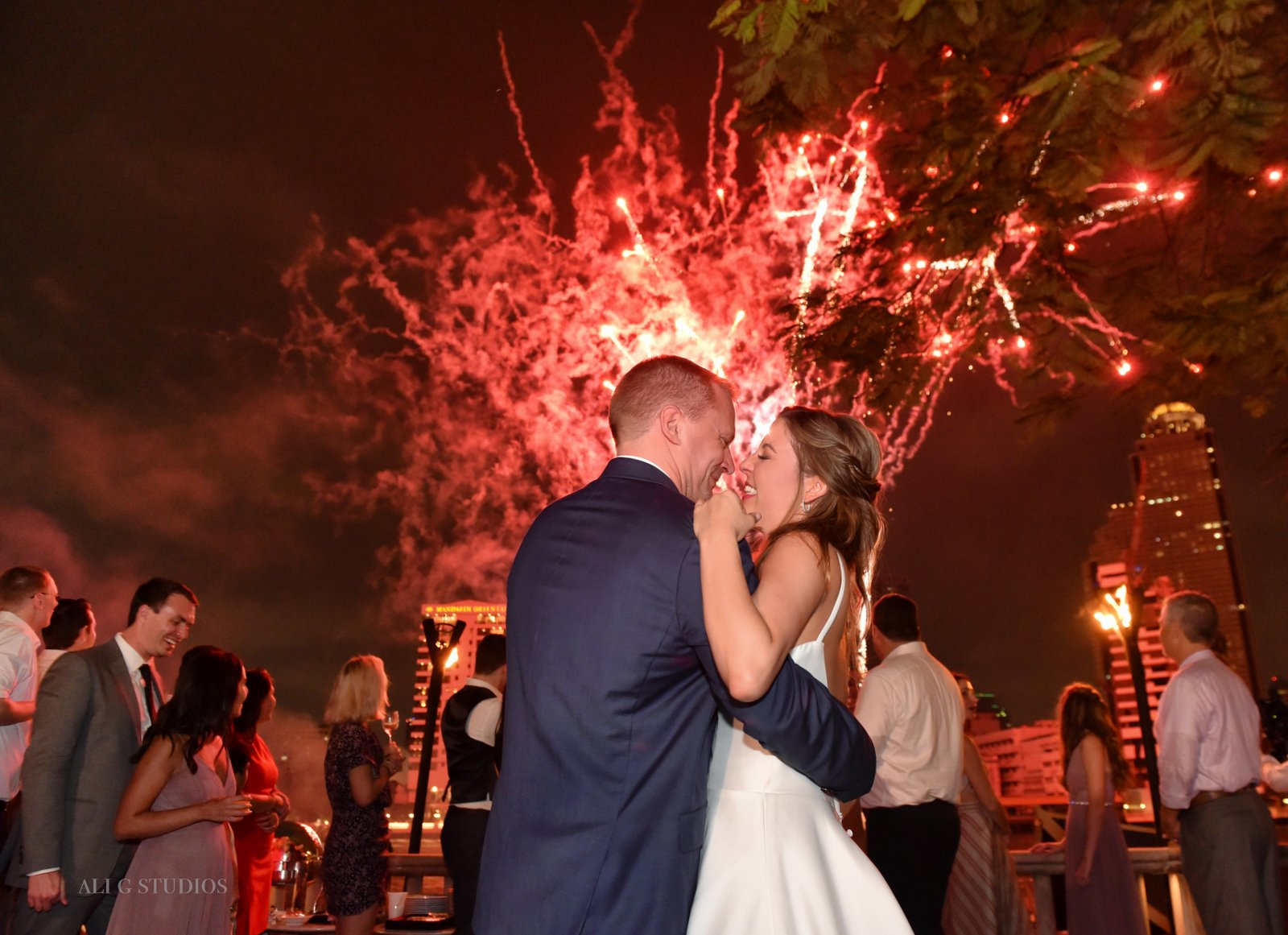 wedding photography fireworks hong kong